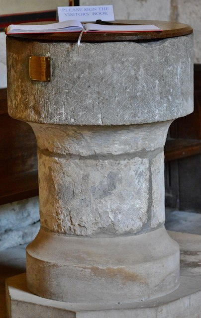 Kempley, St. Mary's Church: The font