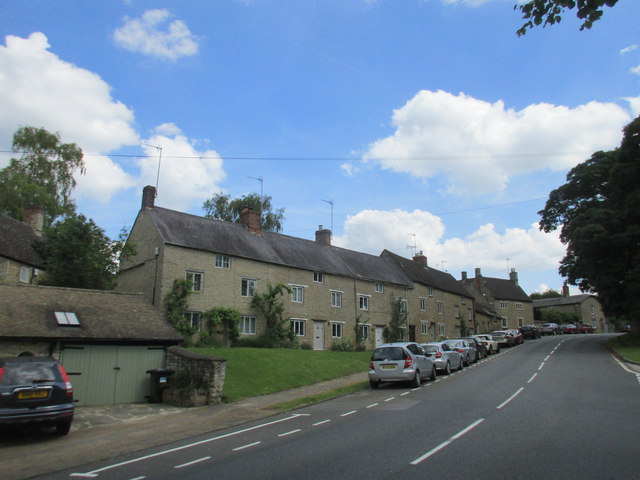 Houses, Roundtown, Aynho