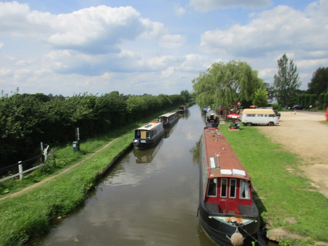 The Oxford Canal at Aynho Wharf