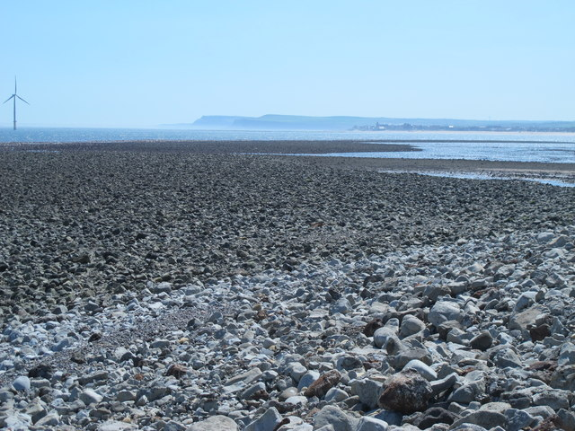 Rocks exposed at low tide east of the South Gare Breakwater
