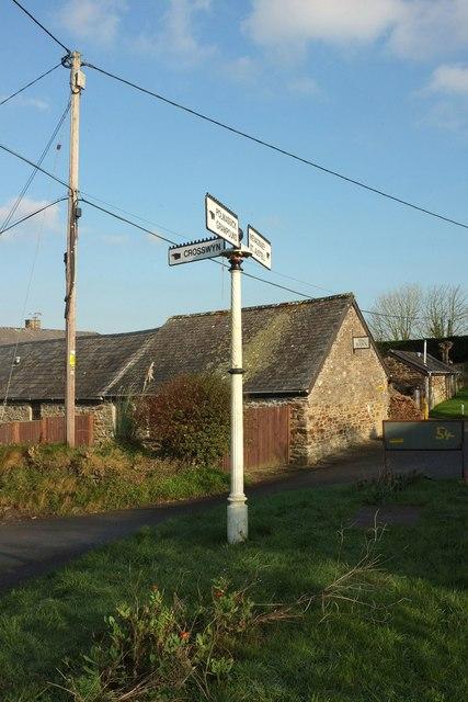 Signpost, St Ewe
