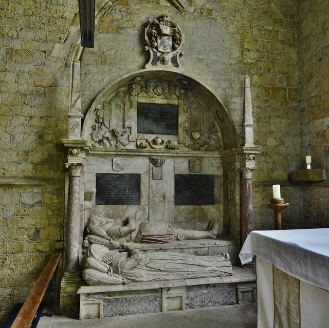 Hanwell, St. Peter's Church: Sir Anthony (d.1614) and Lady Cope memorial 2