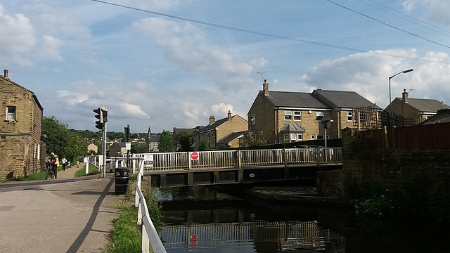 Apperley Road canal bridge