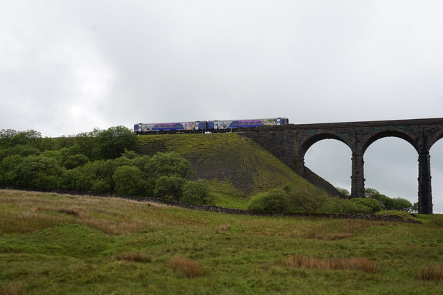 11-00am  Northern Rail Train on Ribblehead Viaduct