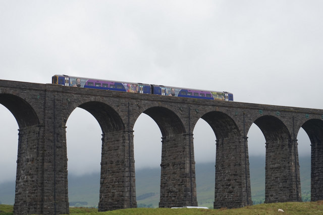 11-00am  Northern Rail Trian on Ribblehead Viaduct