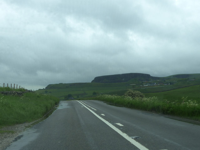 Grinlow Road south of Buxton