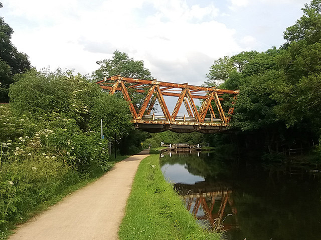 Esholt sewage works: former railway bridge
