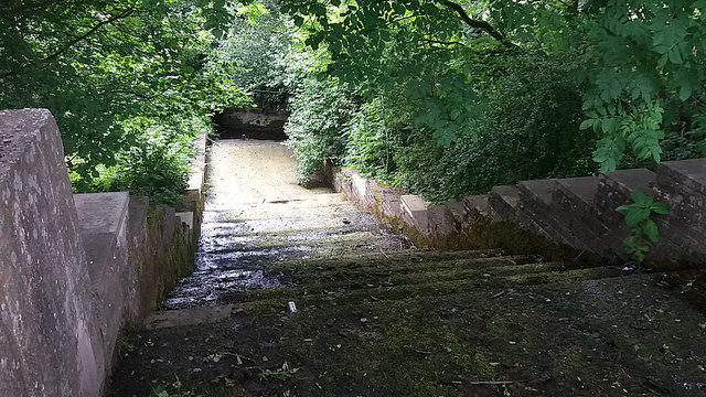 Canal overflow cascade at Thackley End