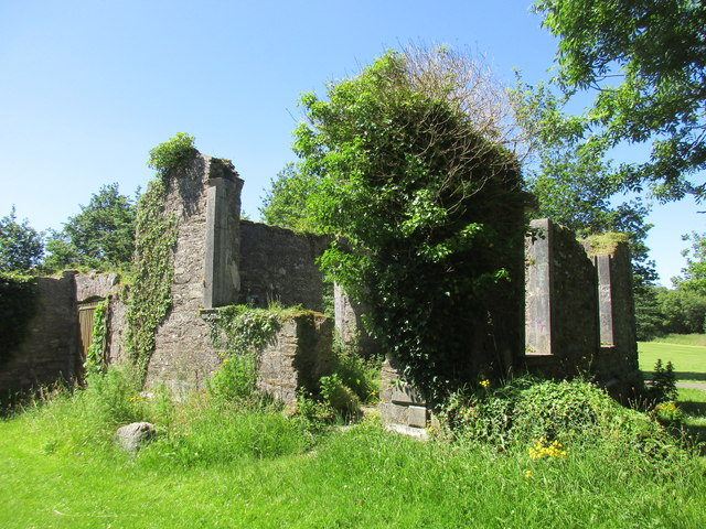 Ruins of former chapel attached to the Bishop's Palace