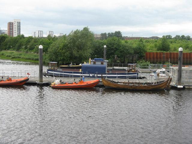 Clyde Ferry No 8 at Kelvinhaugh