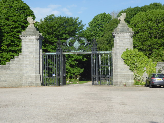 Ornamental gateway to the Dunecht House Estate