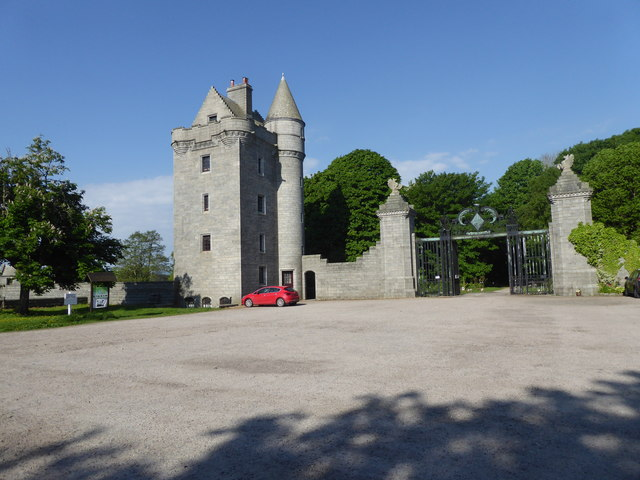 Southern tower house and gated entrance to the Dunecht House Estate