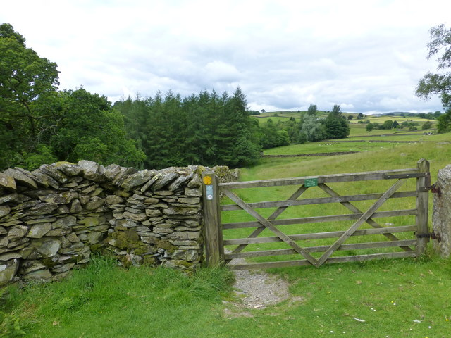Gate on path from Frost Hole to Potter Tarn