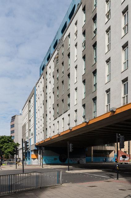 5102 Apartments