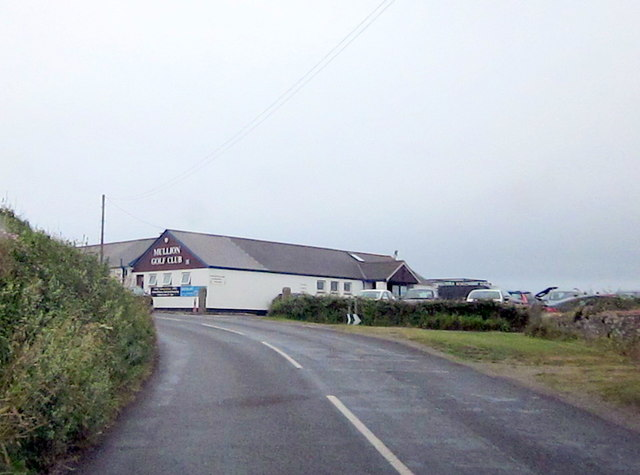 Approaching Mullion Golf Club Clubhouse