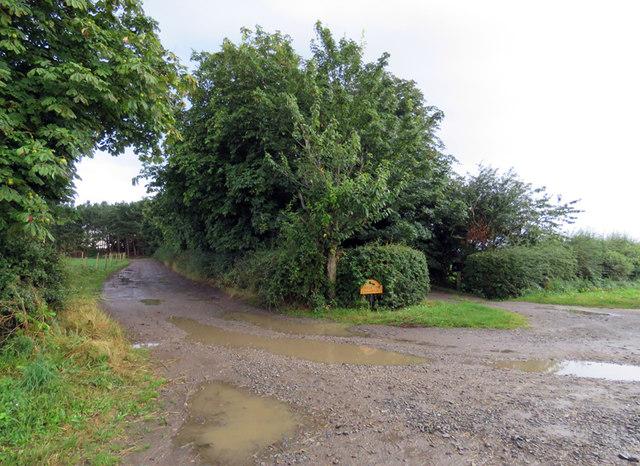 Entrances to Wolds Farm