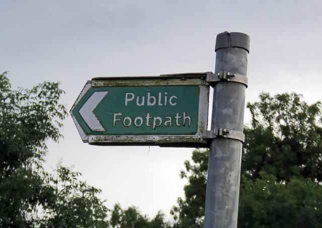Footpath sign on Wysall Road
