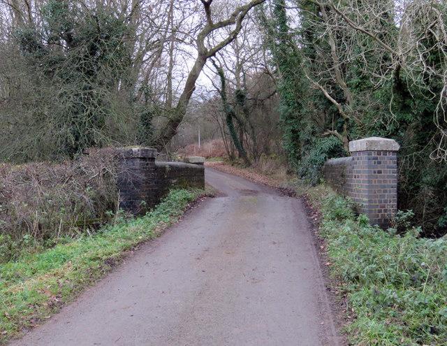 Wood Lane towards Tugby crosses Eye Brook