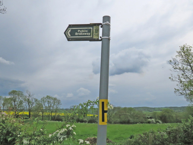 Bridleway and fire hydrant sign
