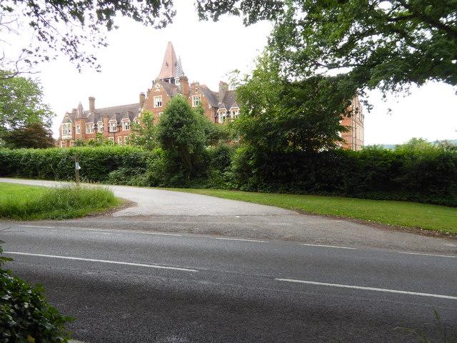 Former school on Wolfs Row