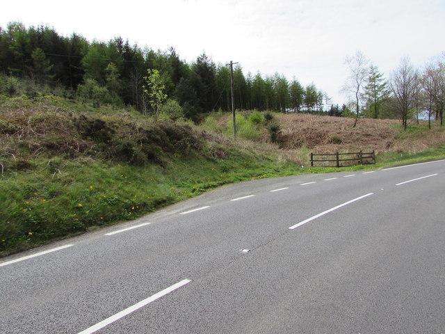 Small layby alongside the A483 near Sugar Loaf