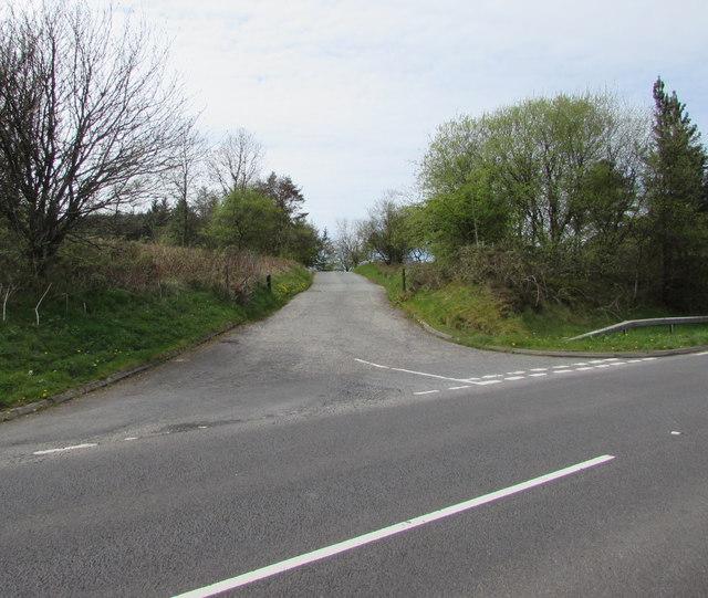 Road to a picnic area below Sugar Loaf