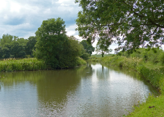 Winding hole along the Grand Union Canal