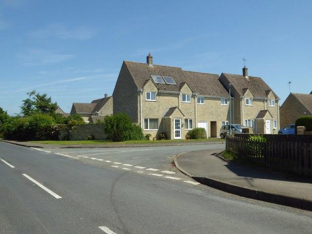 Houses in Meysey Hampton