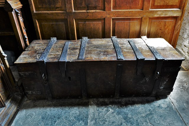 Buckland, St. Michael's Church: The iron bound chest