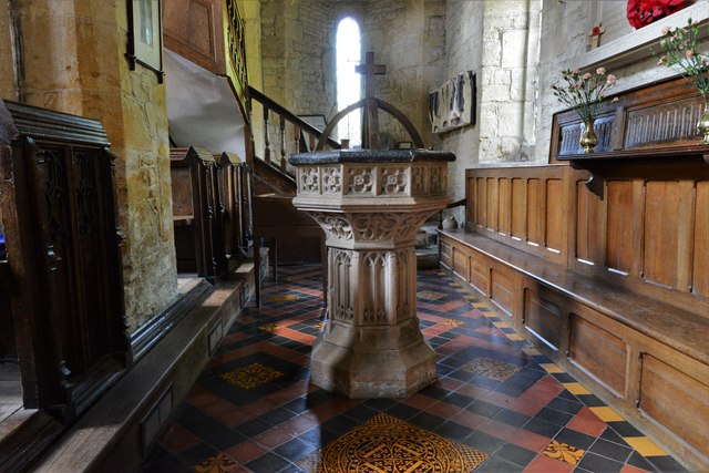 Buckland, St. Michael's Church: The font