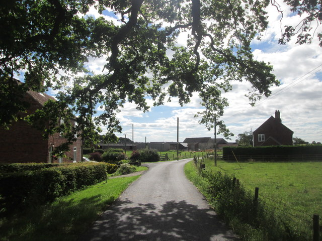 Approaching Pallathorpe Farm