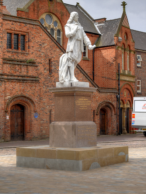 Trinity Square, Andrew Marvell's Statue and School