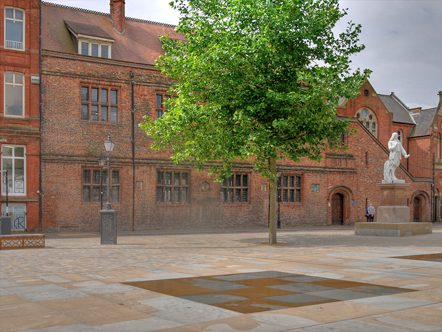 Hull Grammar School, Trinity Square