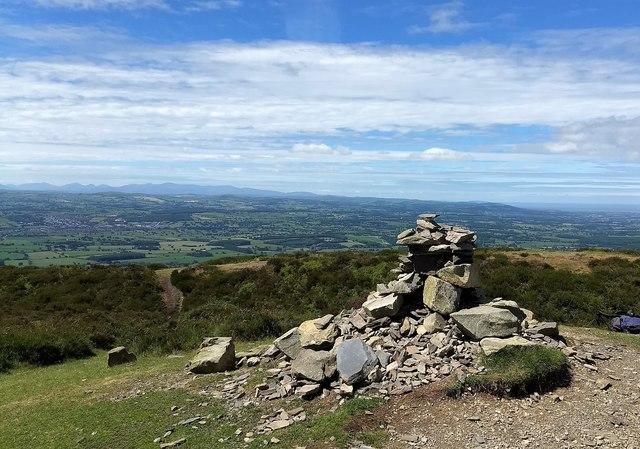 Cairn on top of Penycloddiau