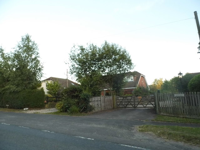 Houses on the A3090, Ampfield