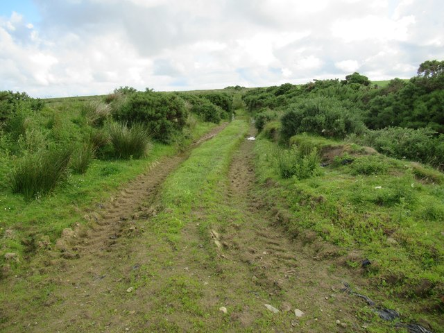 Tractor branch track heading north from track-end at Ha' of Alterwall near Wick