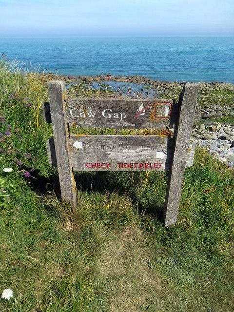 Sign 'Cow Gap'