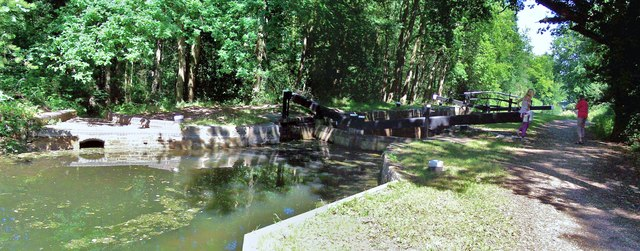 Lock No 16, Basingstoke Canal