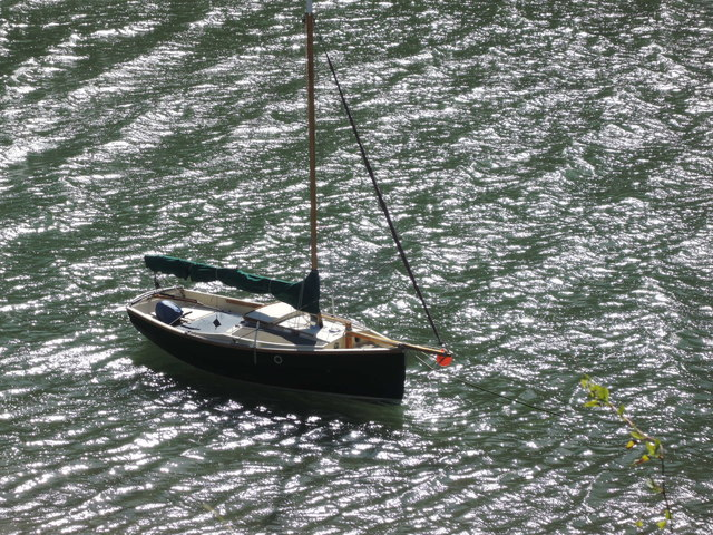 Newton and Noss: boat on Newton Creek