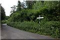 SP9506 : Signpost at Hog Lane by Robert Eva