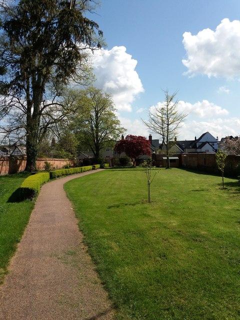 Cullompton: Walronds walled garden
