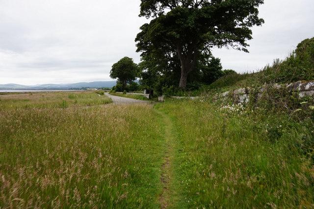 Path alongside the B817