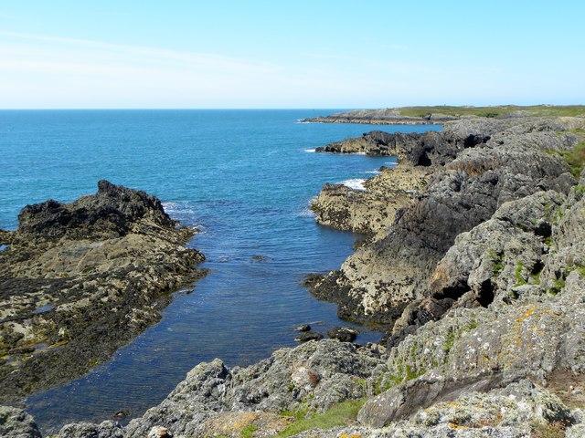 Rocky coastline west of Silver Bay