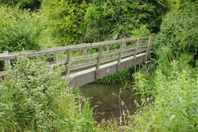 Oliver's Bridge, Wendover Arm
