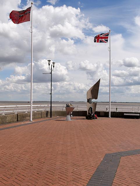 Minerva Pier, Naval Memorials
