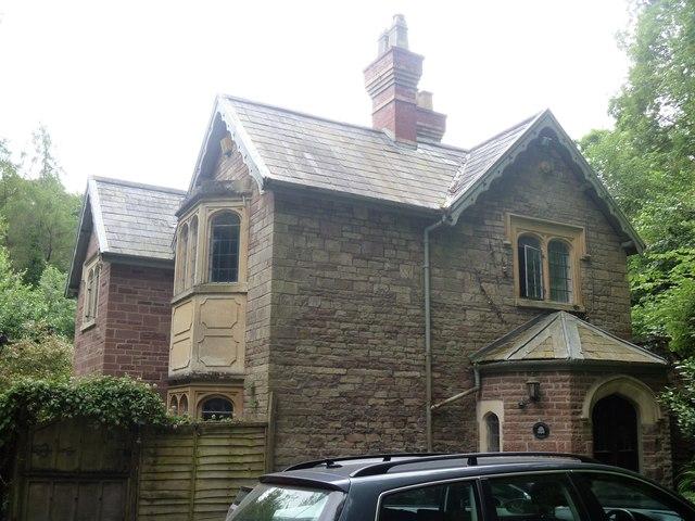 Oak Wood Lodge