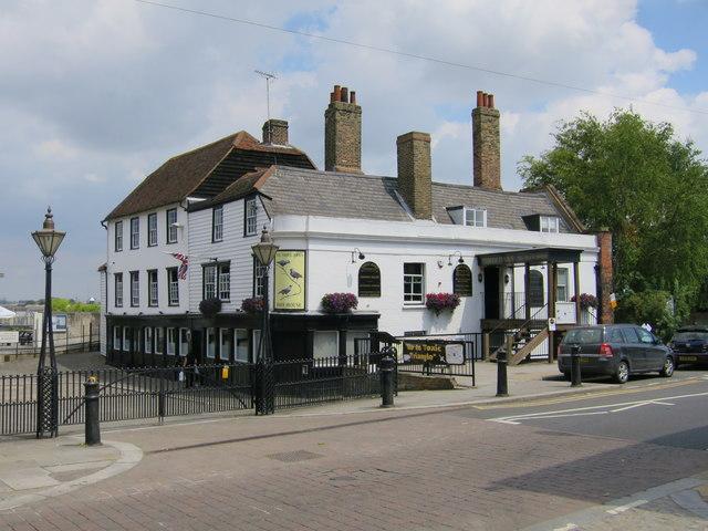 Three Daws, Gravesend