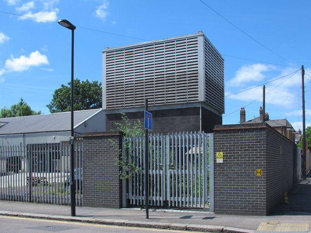 Victoria Line ventilation shaft, Tynemouth Road / Antill Road, N15 (2)