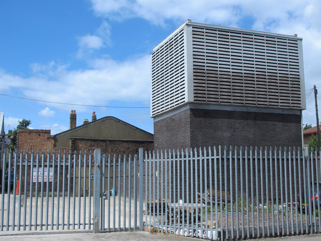 Victoria Line ventilation shaft, Tynemouth Road / Antill Road, N15 (3)