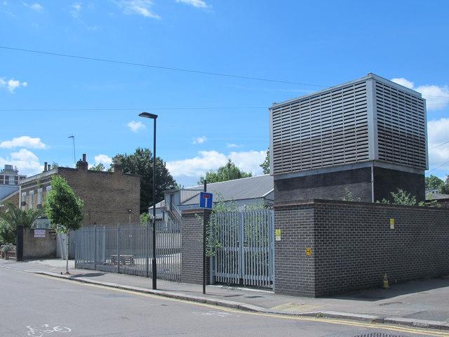 Victoria Line ventilation shaft, Tynemouth Road / Antill Road, N15 (4)